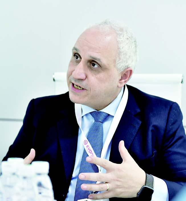 赢创涂料添加剂业务线全球负责人 Gaetano Blanda博士