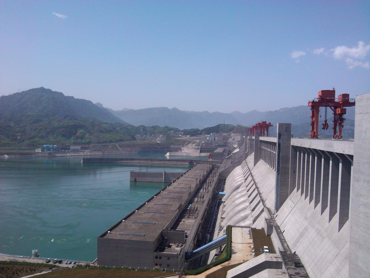 为应对极端气候,国内加强水利工程建设,海外:给北海造坝!